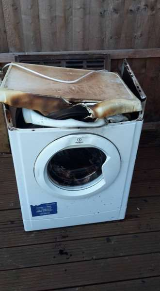 The burnt out tumble dryer AfahILIguU7Edf9za4b1