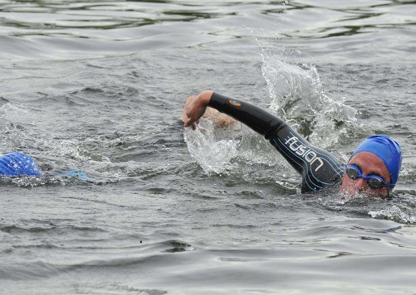 Action from the Triathlon at Tallington lakes EMN-150507-205319009