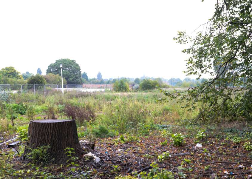 Tthe former Lonsdale House site in Barleythorpe Road, Oakham, where McCarthy and Stone plans to build retirement apartments. Photo: Alan Walters MSMP-22-09-15-aw004 EMN-150922-144910001