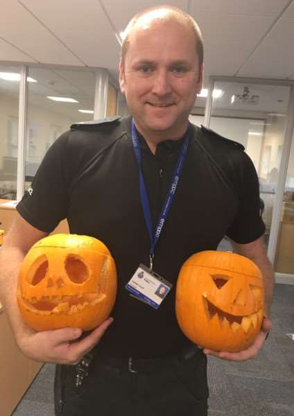 PC Joe Lloyd with the new pumpkins EMN-160111-104016001