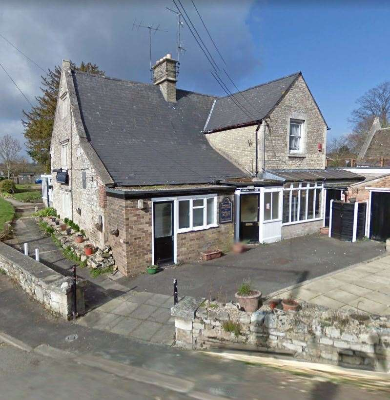 Crown Inn, Tinwell (18863061)