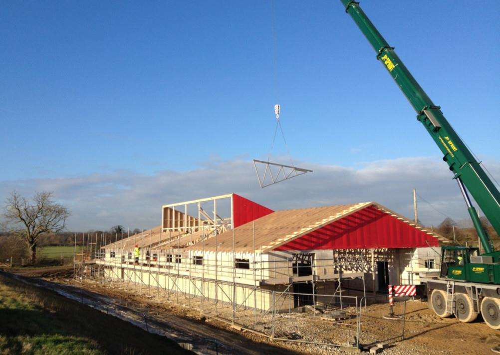 Construction of the new volunteer training centre at Rutland Water. EMN-150113-161449001