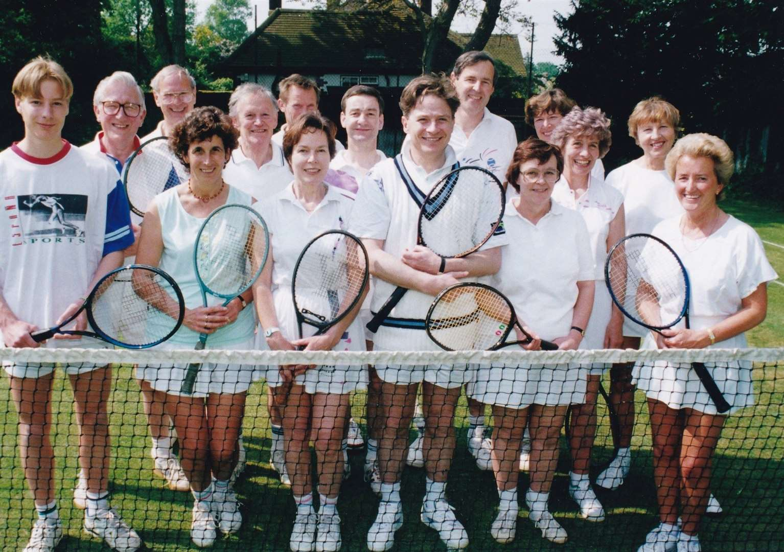 An old club photo from the 1990s, taken at Windmill Way courts. (13343913)