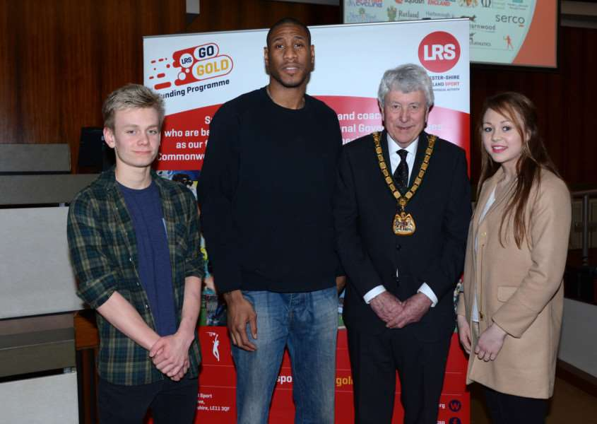 Swimmer William Hawkes with Leicester Riders star Drew Sullivan, county council chairman David Snartt and modern pentathlete Sophie Pedlar EMN-161102-151811002