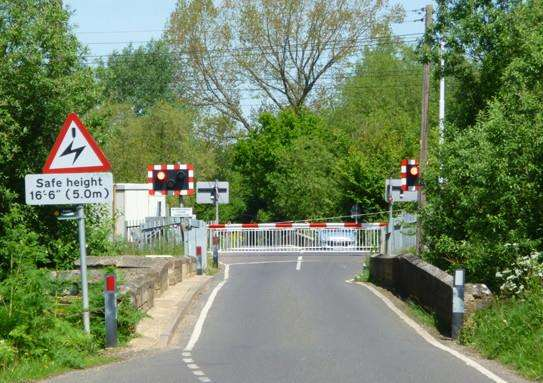 Lolham level crossing EMN-140715-154104001