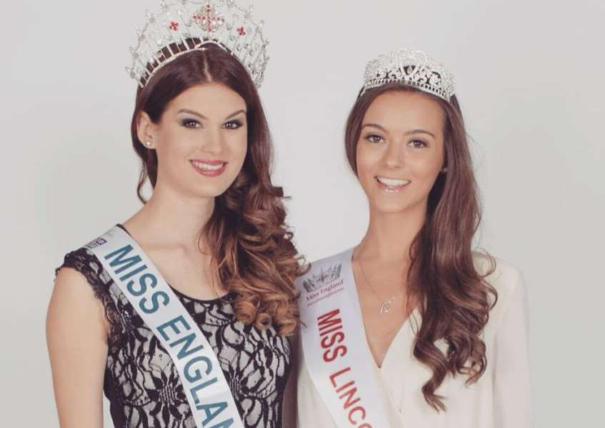 Amelia Parrish with the reigning Miss England, Arina Tyrrell EMN-150207-105029001