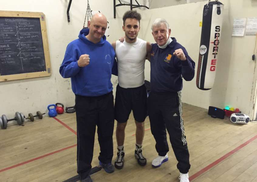 Rutland boxer Joshua White, with trainer Alwyn Belcher and ex professional boxer Robert Riley, head coach from Jubilee Boxing Club in Sheffield where I train twice a week. EMN-150812-141841001