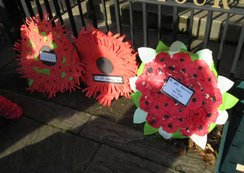 Remembrance Day in Stamford EMN-161111-115531001