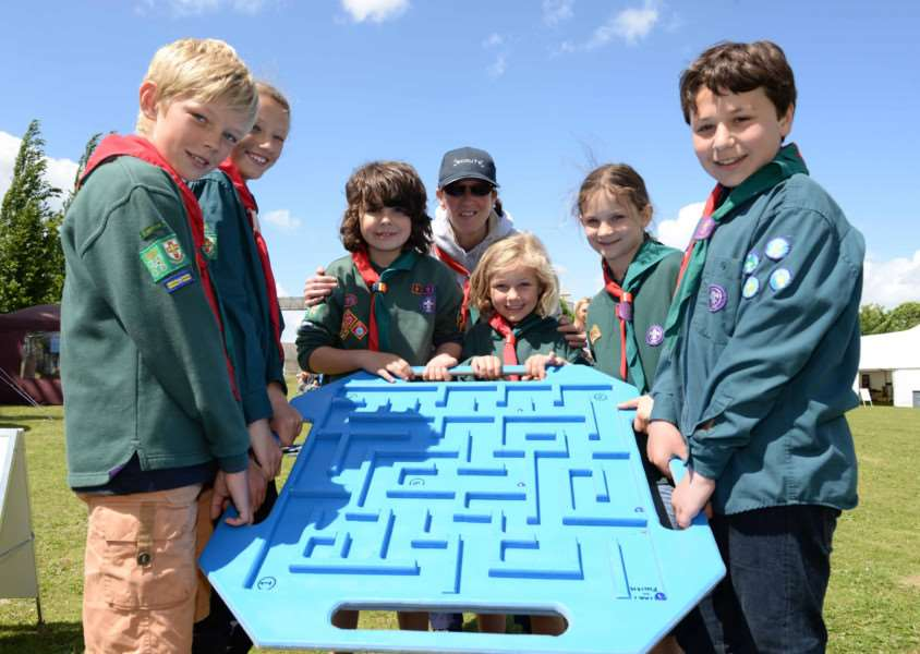 Open day at Hanson Cement in Ketton. 1st Ketton Scouts Hugo, FLo, Tomas, Norah, Rosie, Daniell with GSL Helen Photo: Alan Walters MSMP-06-06-15-aw003 EMN-150806-101801001
