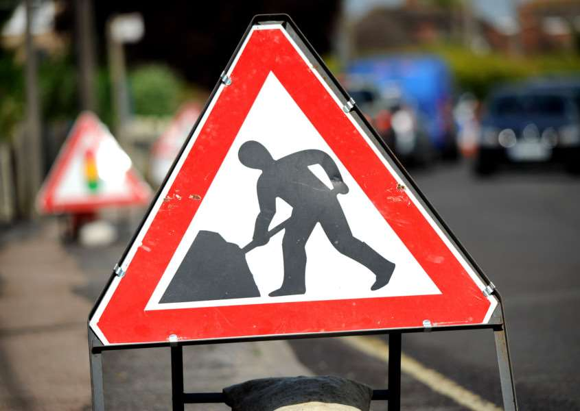 The A422 between Farthinghoe and Brackley will be closed at the weekend.