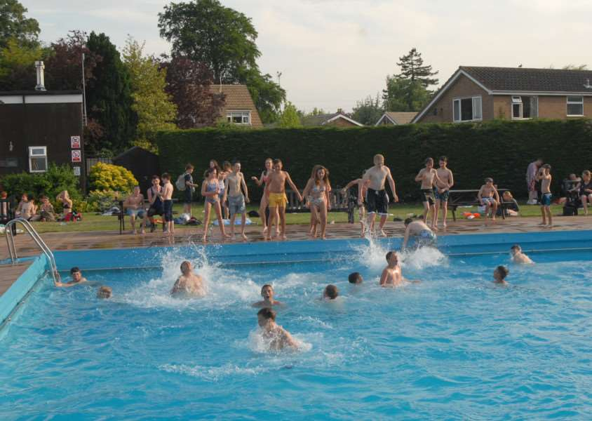 Bourne Outdoor Pool on the hottest day of the year so far (hottest for 160 years?)