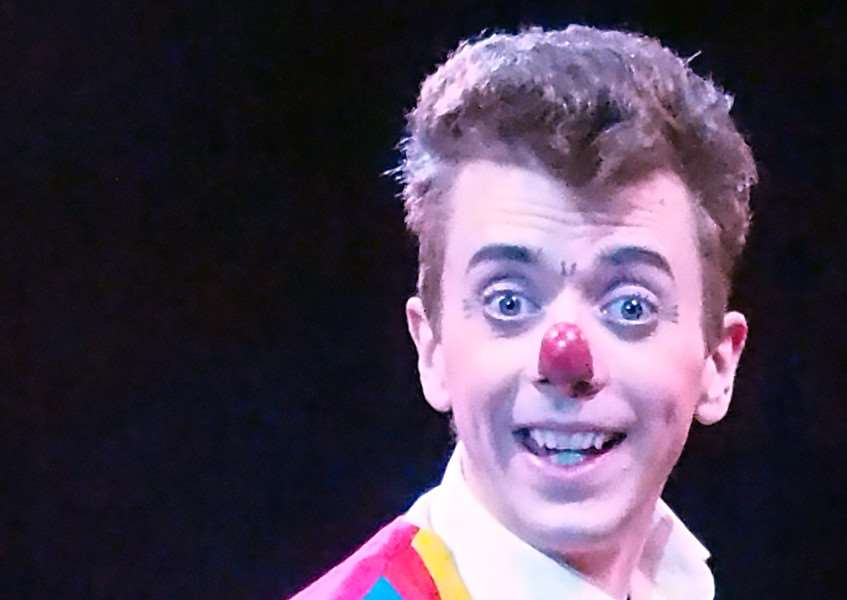 Real life clown Alex Morley has hit out at the killer clowns for harming circus stars.