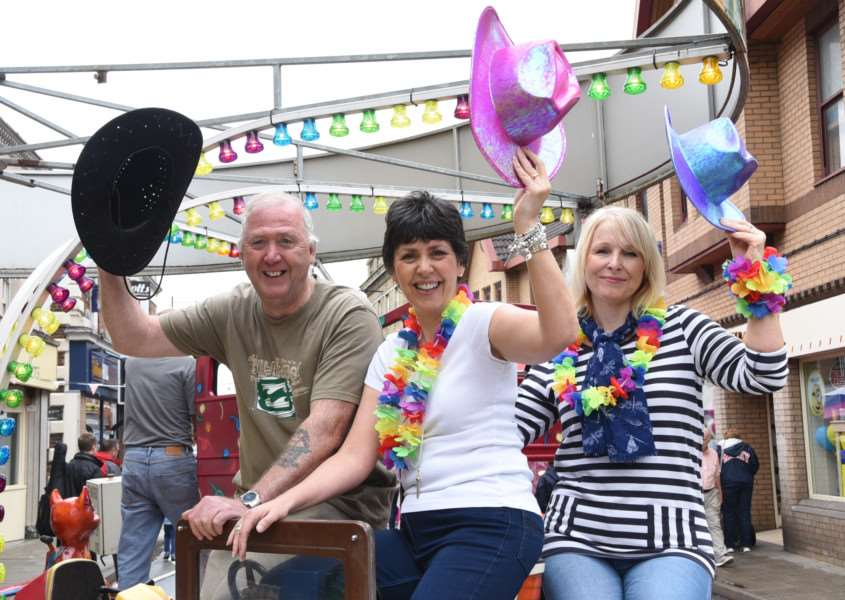 Bourne Festival 2015 - some of the organisers Gordan Cochram, Cathy Powell and Claire Saberton EMN-150629-081305009