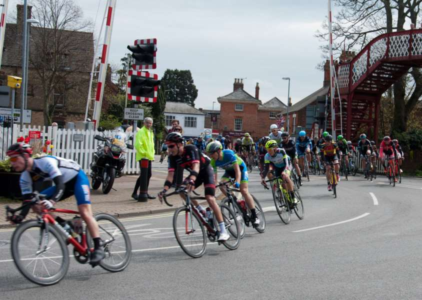 Melton CiCLE Classic heads for Melton Mowbray. Photo: Derek Bury EMN-150427-092833001