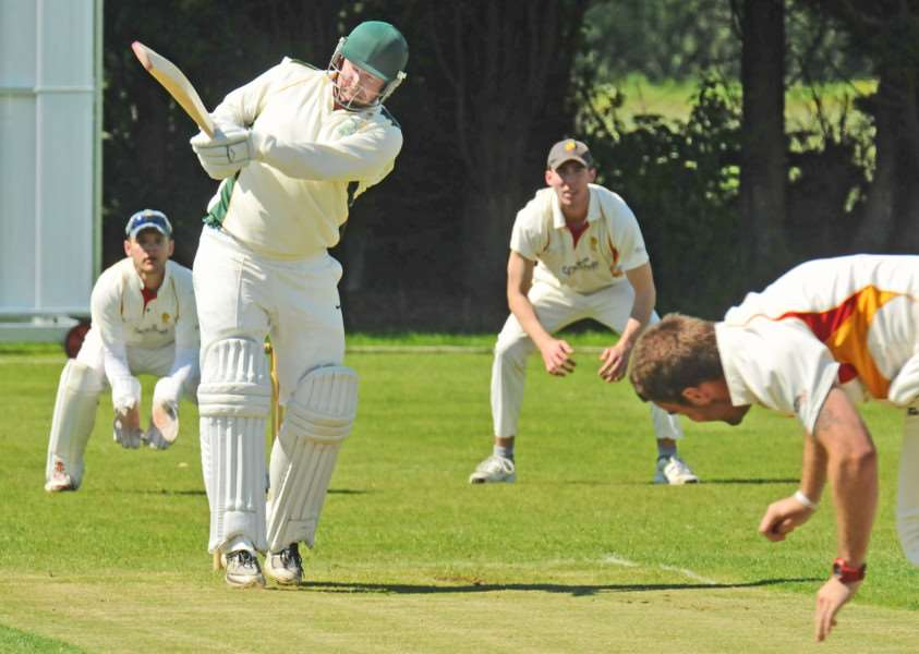 Dave Gillett made 78 not out for Market Deeping against Grimsby.