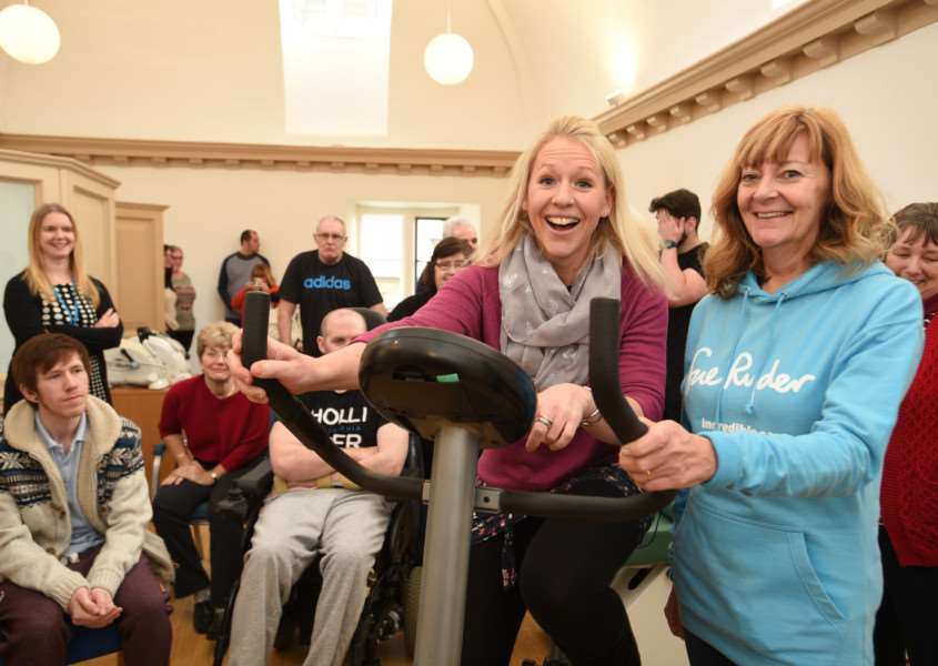 Opening of the new gym at Thorpe hall by Olympic medalists in badminton Gail Emms. She is pictured with hospice volunteer Kim Elliott EMN-160118-145923009
