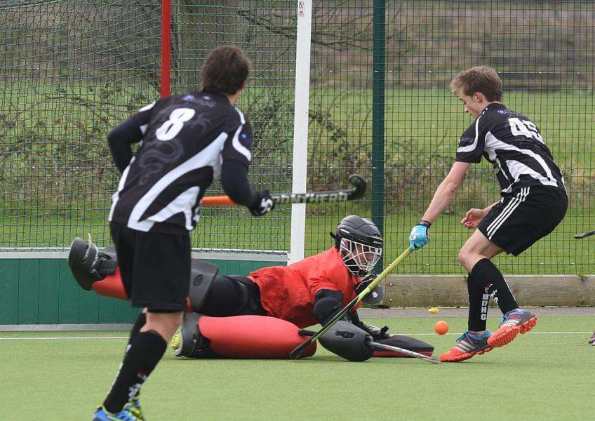 Hockey action from Bourne Deeping Dragons 2 v Cambridge University 3 at AMVC EMN-160213-170026009