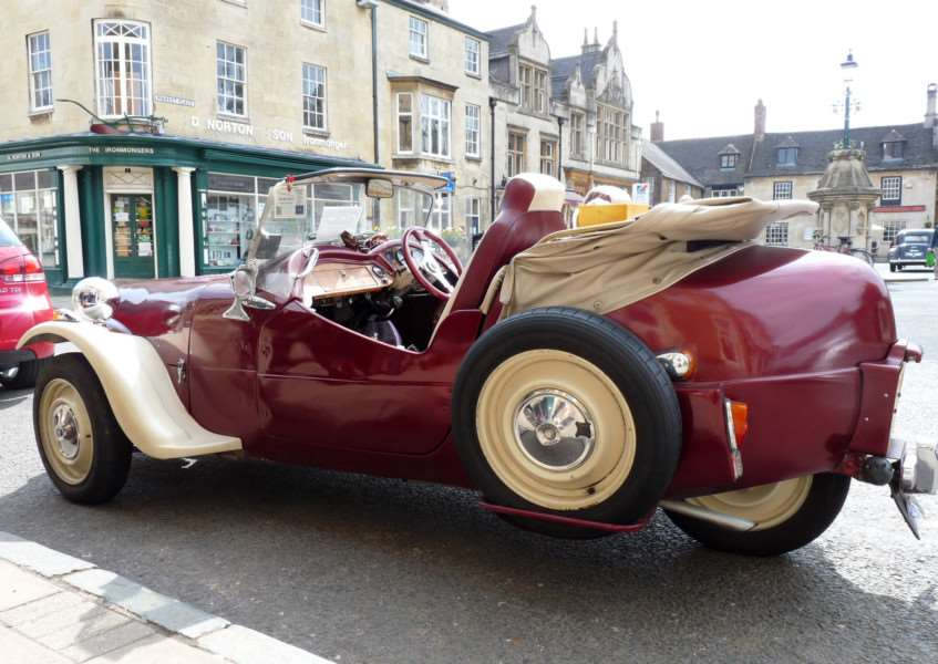 Rutland Times readers pictures. Classic Cars meeting up at Uppingham for the start of the Stilton Cheese Classic Vehicle Run. Karen Parsons, Claresholm Close, Oakham.'Photo: MSMP RTreaderpix Karen Parsons 36 ENGEMN00120130422103022