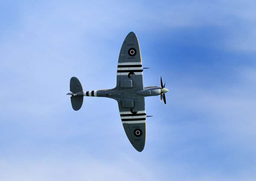 Battle of Britain Memorial Flight Spitfire SUS-140906-080859001