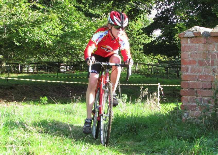 New Bourne Wheelers signing Lizzie Catlow gets off to a flying start EMN-160701-091223001