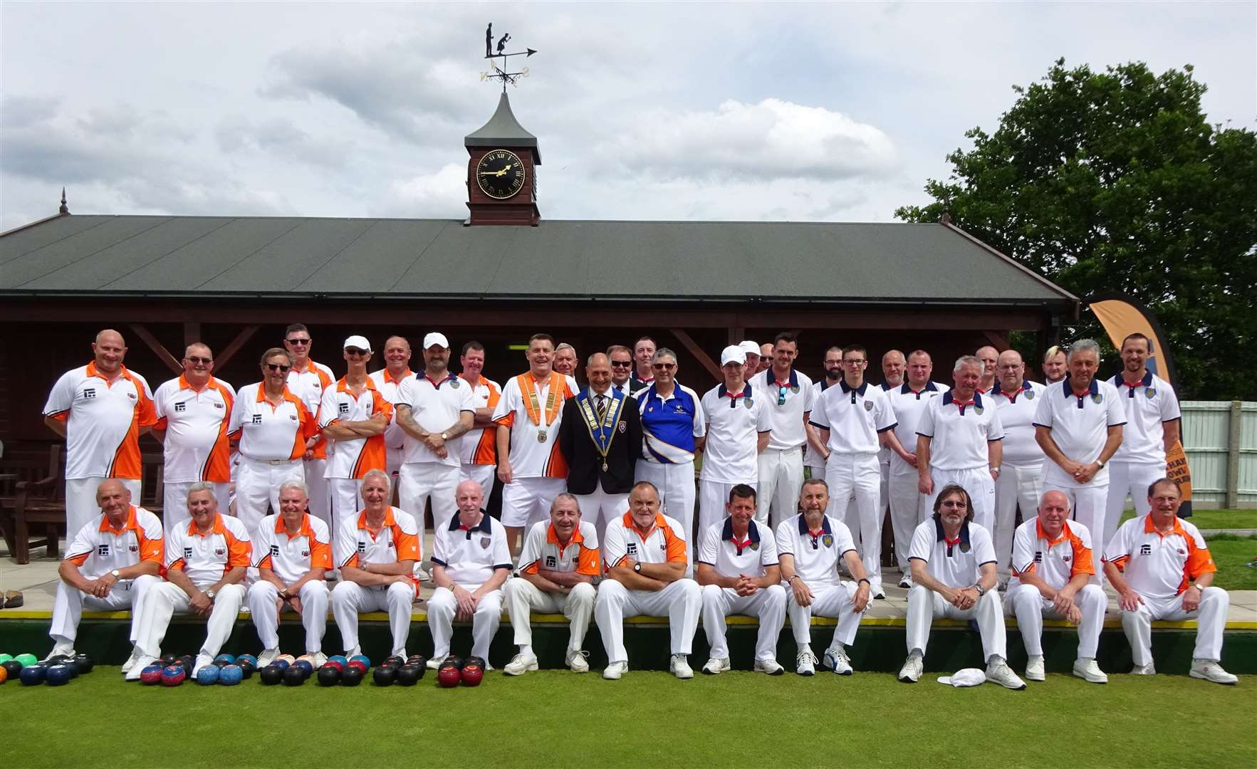 The Northants Federation Newton Trophy team (in orange shirts) who competed against Suffolk and Lincs. (12148425)