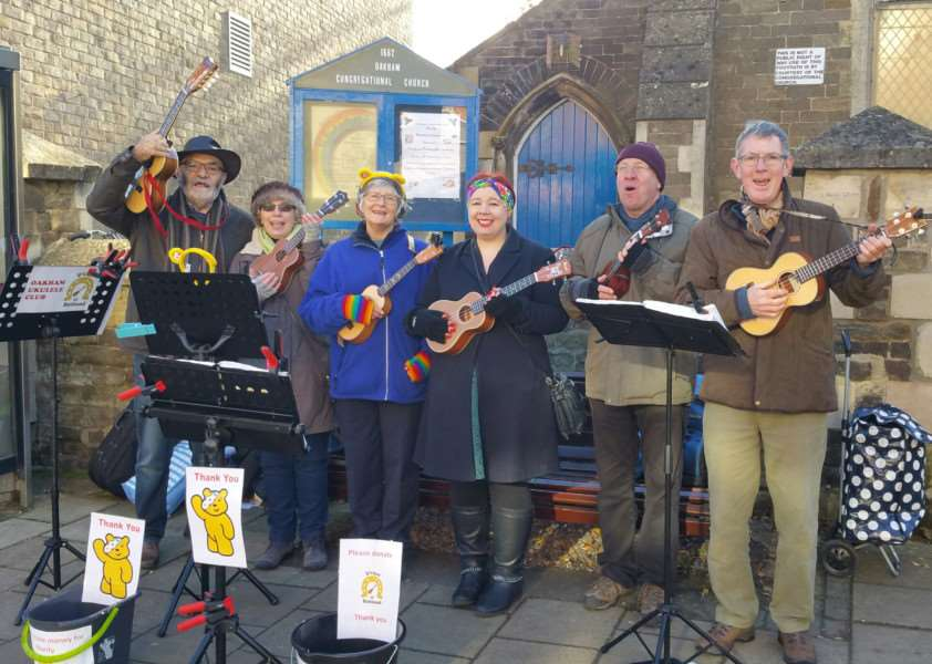 D'Ukes of Rutland busking. Pictured from left, Roger Brewster, Flick Brewster, Pat Ticehurst, Christine Turner, Steve White and Tom Moffat. Henry and Mia Lynch are not pictured EMN-161121-105845001