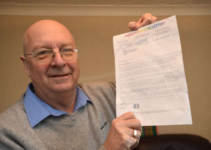 Robert Oxford of Deeping st James with his lottery win letter EMN-150912-163324009