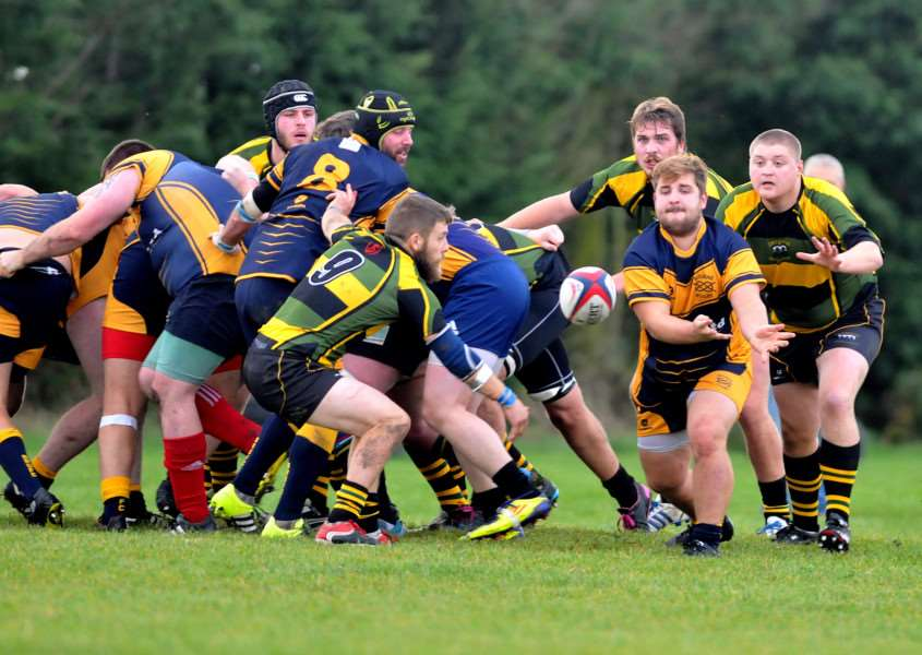 Bourne Rugby Club - first-half action v Deepings ANL-161023-012522009