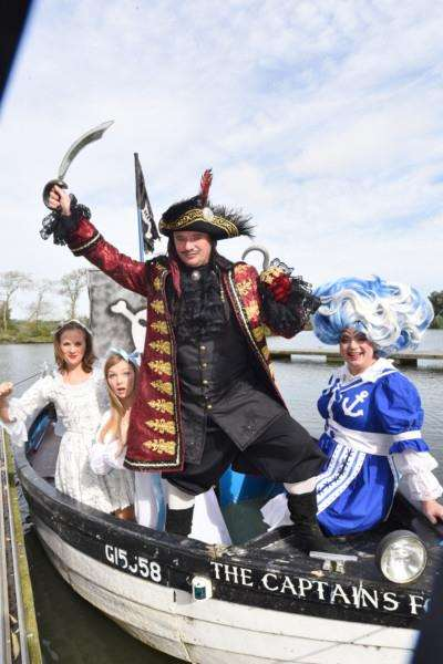 Cresset panto photocall of Peter Pan at Ferry Meadows EMN-160928-140729009
