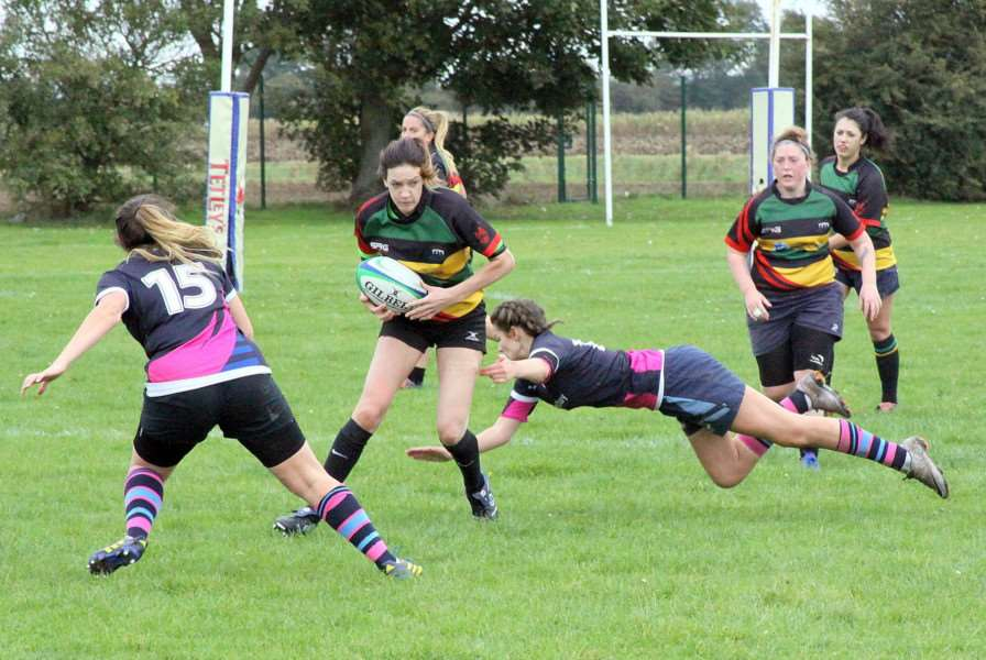 Great side step by Deeping Devils Rachel Hames