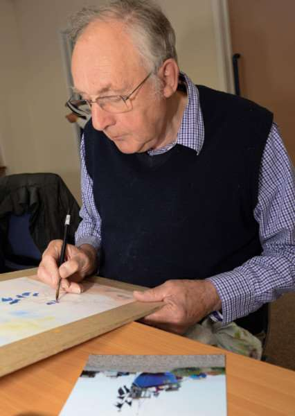 Members of Oakham Art Group at work. David Thompson. Photo: Alan Walters MSMP-18-05-15-aw001 EMN-150521-172257001