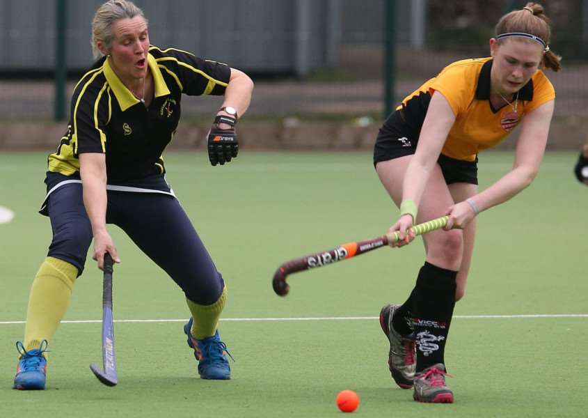 Haverhill Ladies v Bourne Deeping - Ali Paige-Blair'Pic - Richard Marsham