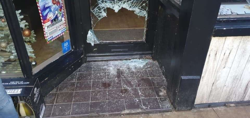 The burglar smashed the front door to gain access to the building (24781454)