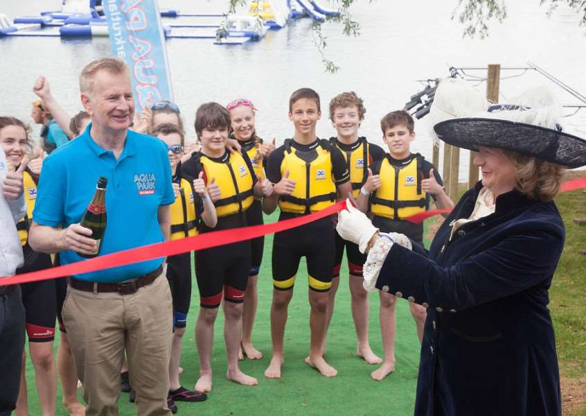 High Sheriff of Rutland Sarah Furness officially cuts the ribbon on the new Aqua Park EMN-161207-113813001