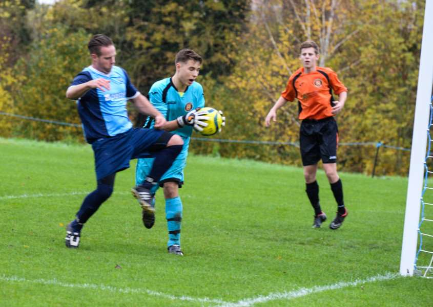 Ketton FC in action against Leverington Sports. Photo: Alan Walters EMN-151026-114012001