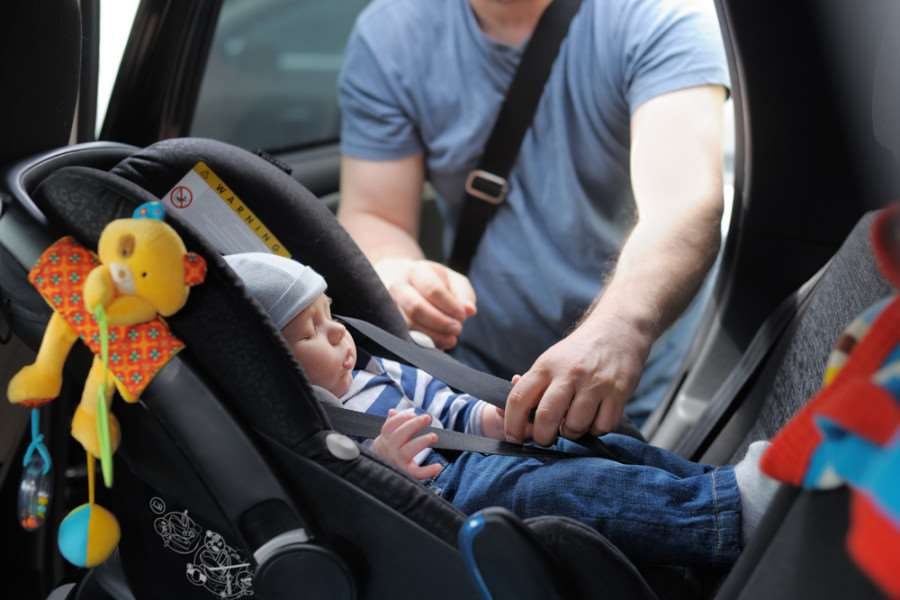 Parents making 'serious errors' when fitting child car seats