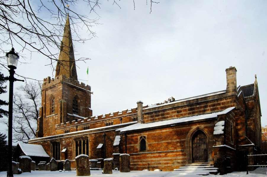 A snow-capped church in Uppingham (Photo: lawrjon1 via Flickr)