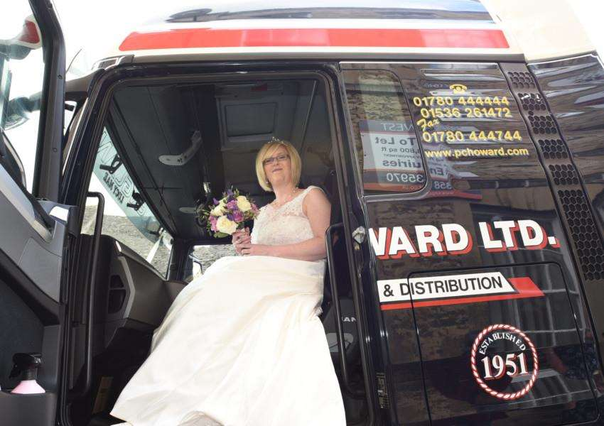 Sarah Farrington, Brett Baines wedding at Stamford register Office. The bride arrived in a Lorry Cab EMN-150905-181052009