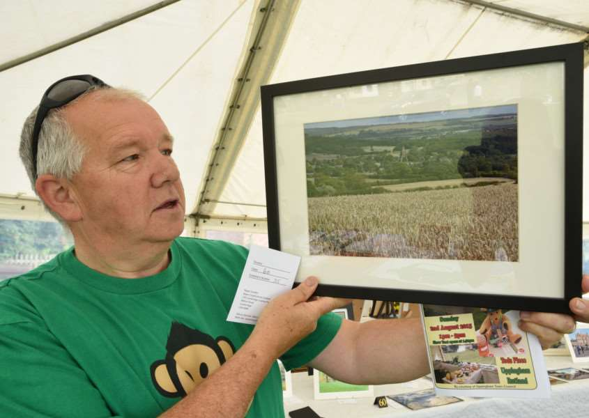Uppingham Produce Show. Rob McCracken with his pic of Lyddington Church EMN-150208-212821009