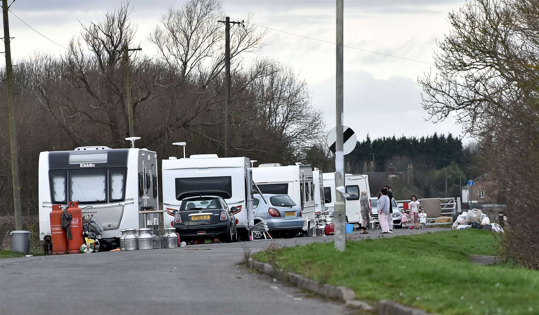 Travellers at Deeping Gate