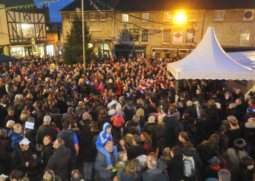 Crowds at the Stamford Christmas Market and lights switch-on. EMN-141130-185700009