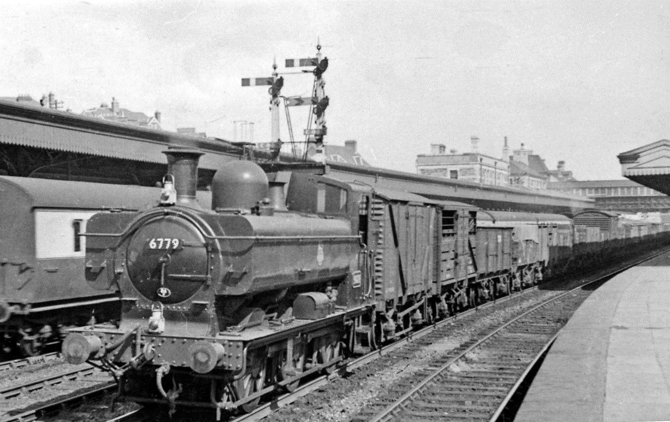 A goods train hauled by pannier engine 6779