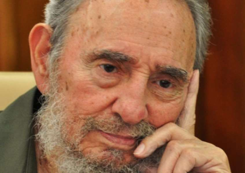 JPNS-16-02-12-039 FIDEL CASTRO ''In this photo released by the state media Cubadebate web site, Fidel Castro attends a meeting with scientists in Havana, Cuba, Monday Aug. 23, 2010. (AP Photo/Cubadebate) EMN-161129-142045001