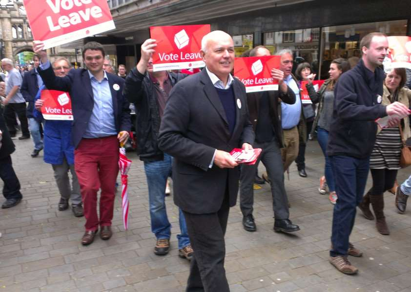 The Vote Leave campaign led by Iain Duncan Smith visits Lincolnshire EMN-160521-153135001