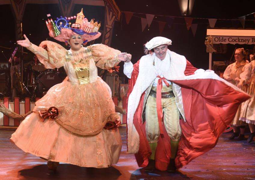 Dick Whittington Key Theatre panto 2016 EMN-160112-091707009