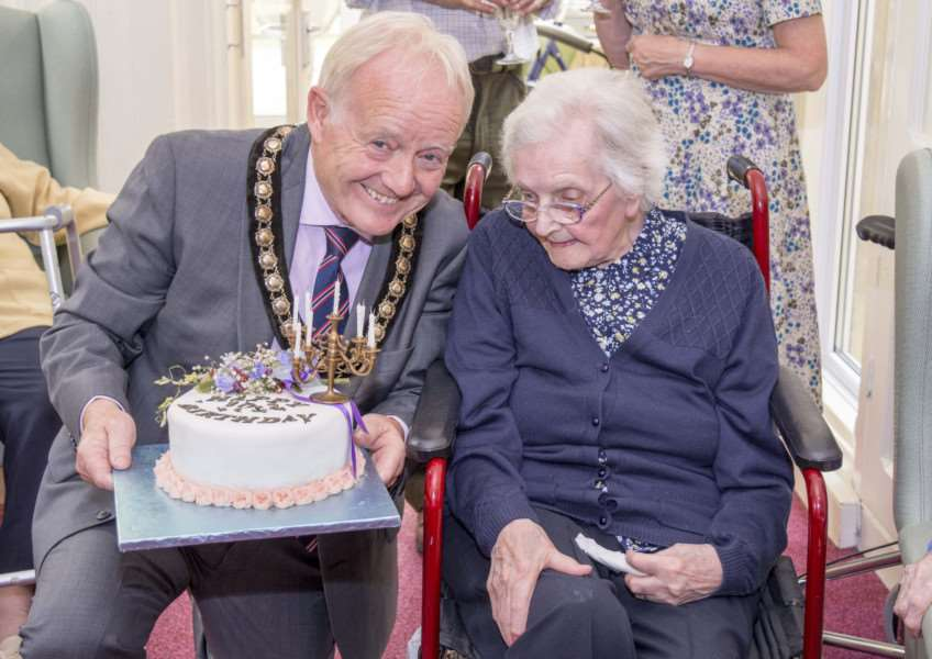 Kathleen Ewles 100th birthday party. By Lee Hellwing.