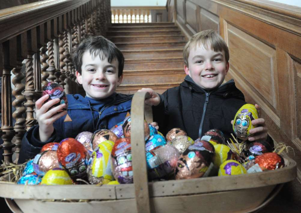 Melford Hall Easter Egg Hunt'Thomas And James Spragg ENGANL00120130104184300