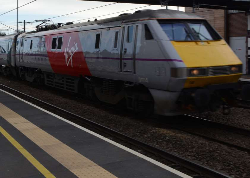 Virgin Trains EMN-150103-190007009