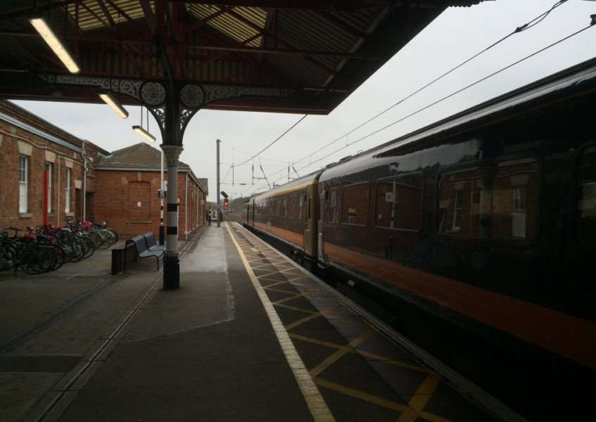 Grantham Train Station at a standstill this afternoon. Photo credit: @Lincolnmedia