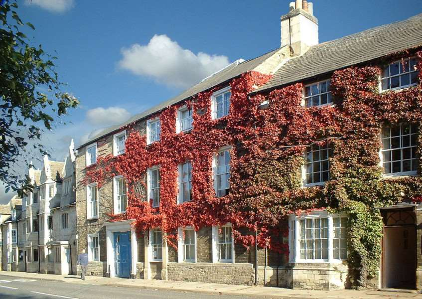 Ivy-clad terraced houses in Oundle (Photo: Martin Sutton via Flickr)